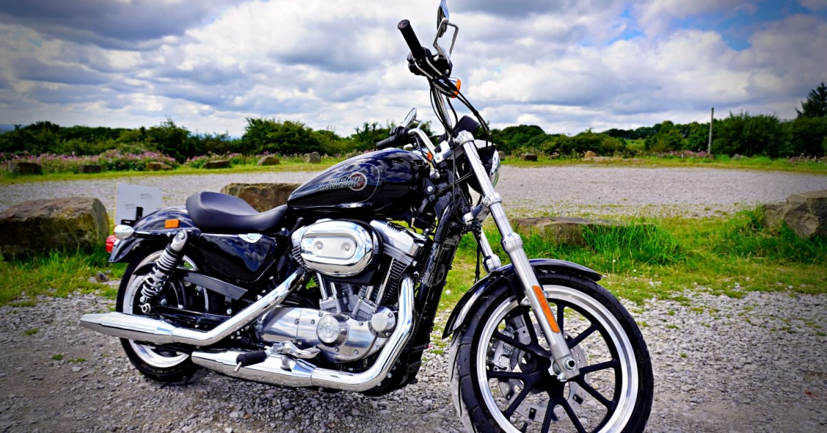 SPORTSTER SUPERLOW 883