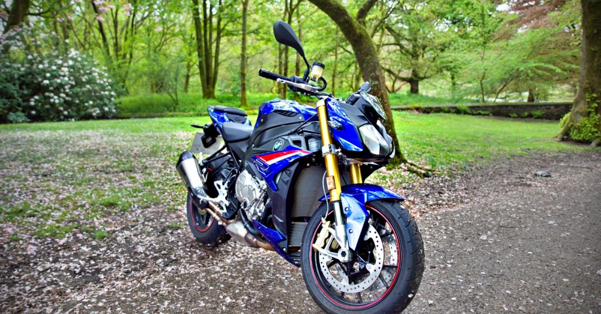The BMW S1000R is without a doubt: fast, focused and furious!