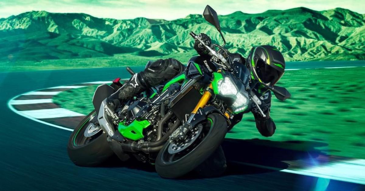 2022 Z900 SE takes Kawasaki's popular Supernaked to next level