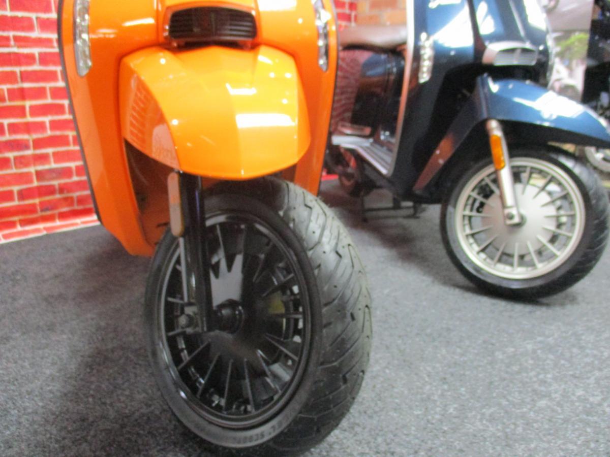 Lambretta V-200 SPECIAL 2020