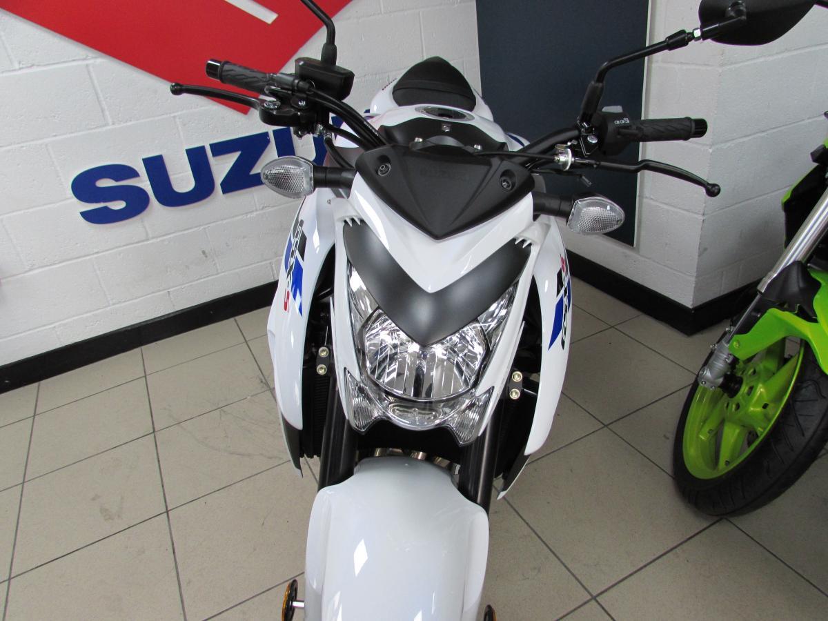 Suzuki GSX-S1000YAL9 DEMO 2019
