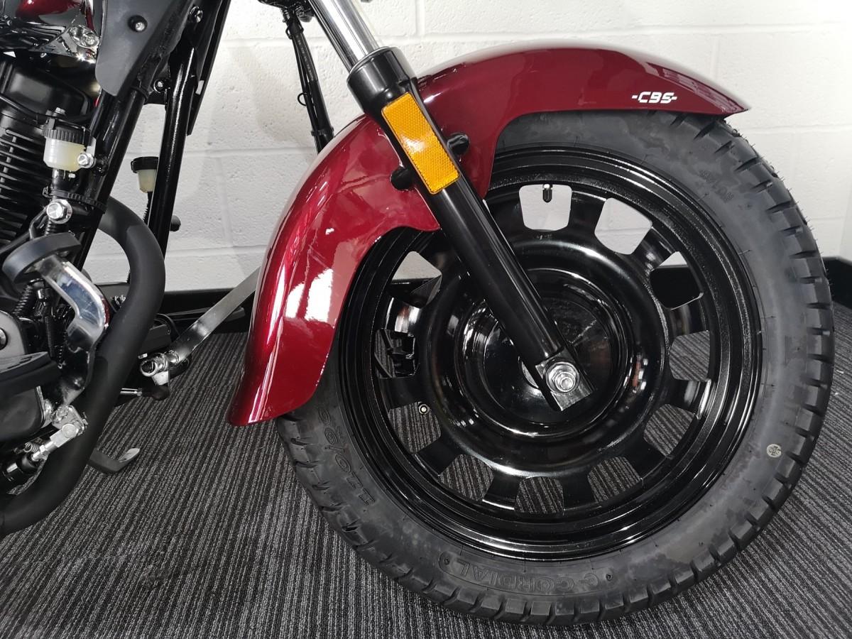Keeway Superlight 125cc LTD SECURITY CHAIN WORTH £100 2021
