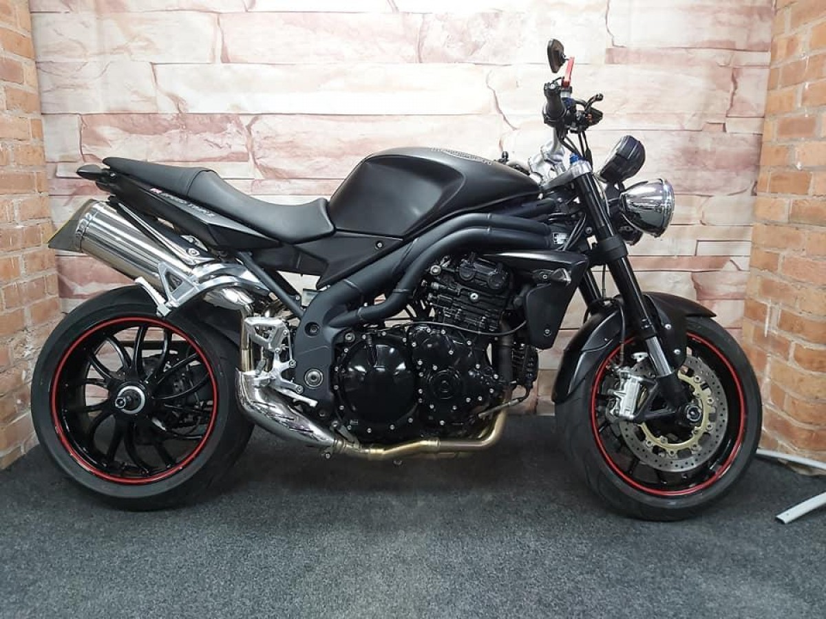 Buy Online TRIUMPH SPEED TRIPLE 1050