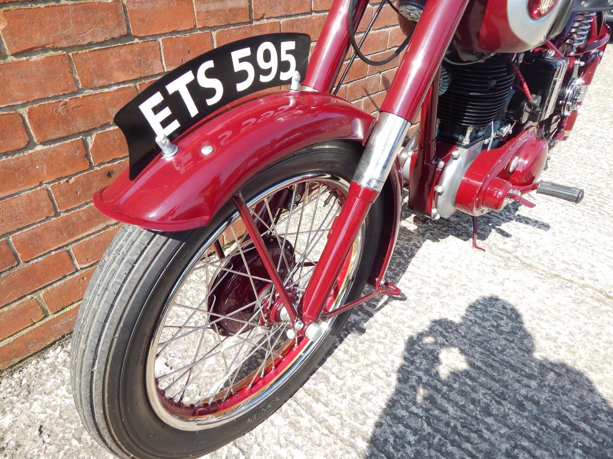 BSA 350 B31 MAROON 1955