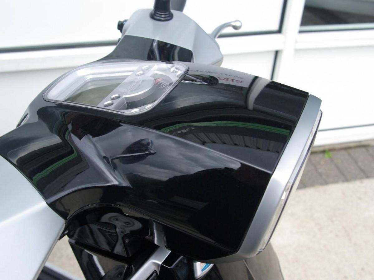 Lambretta V-200 SPECIAL 2019