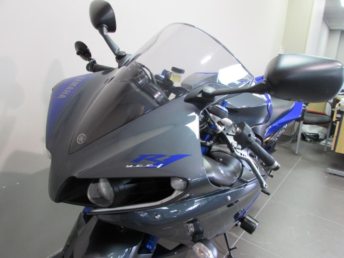Yamaha R1 2014