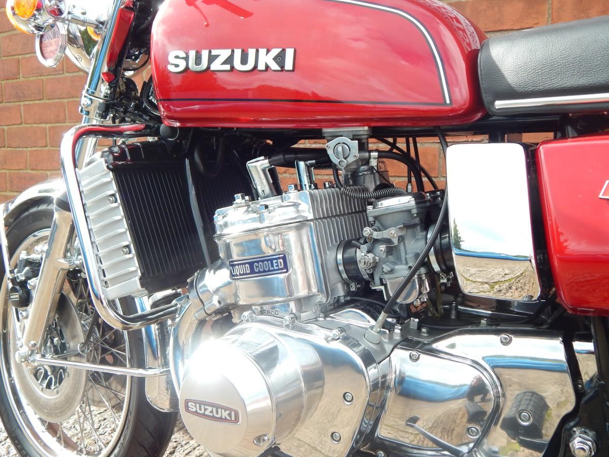 SUZUKI GT750 Kettle 2 Stroke 1977