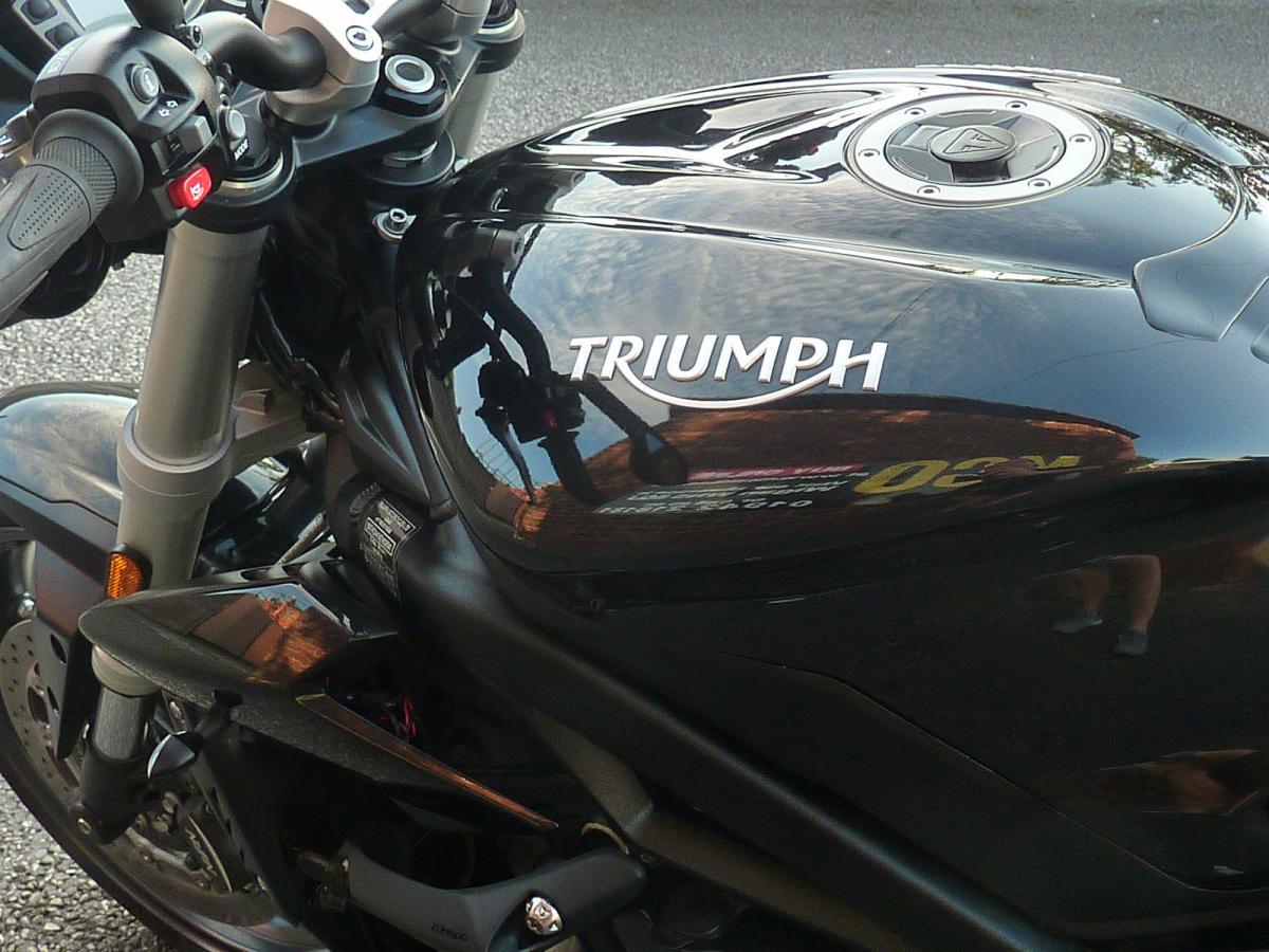TRIUMPH STREET TRIPLE S 2017