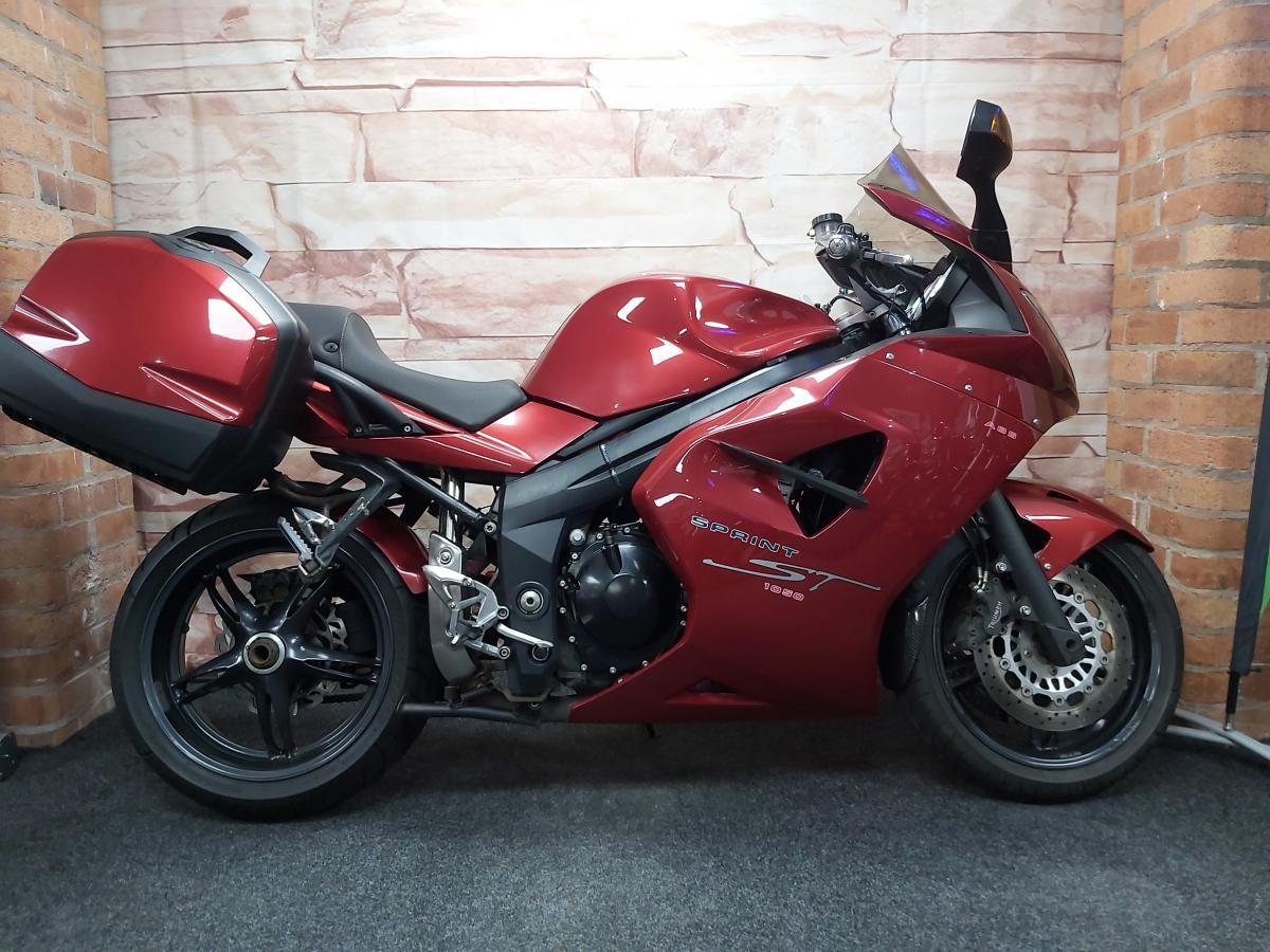 Buy Online TRIUMPH SPRINT ST 1050 ABS