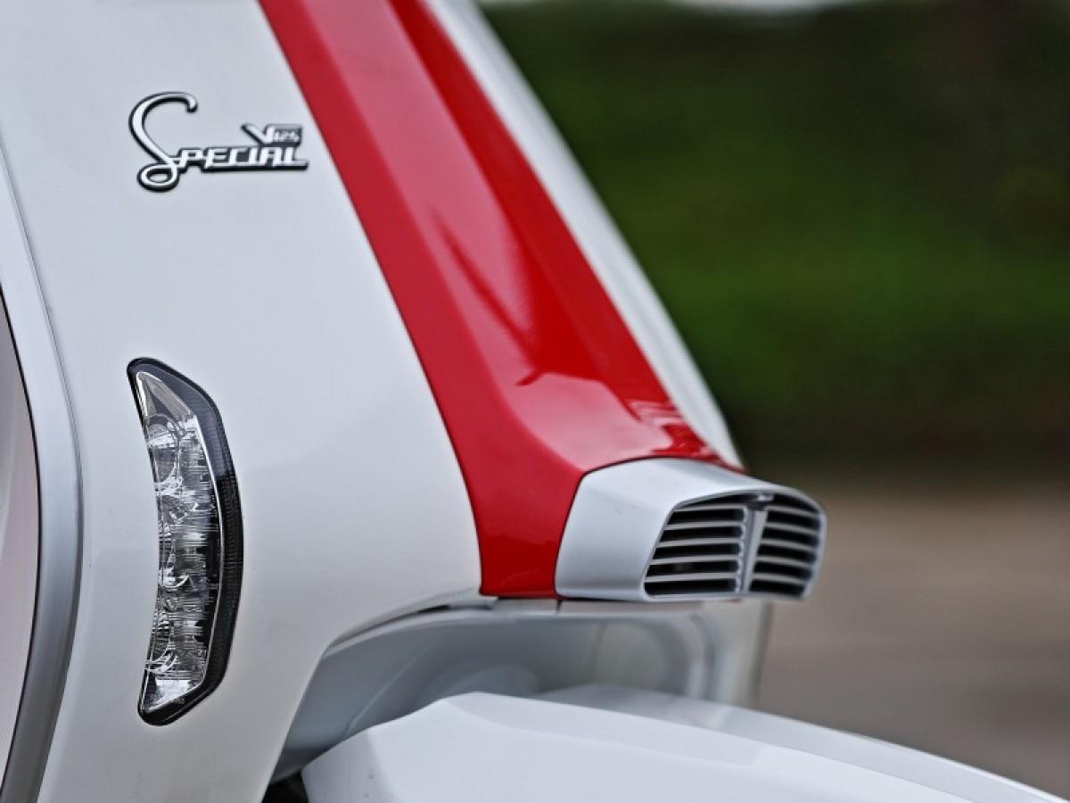 Lambretta V Special 125cc Bi Colour   INCLUDES FREE SECURITY CHAIN WORTH £100 2021