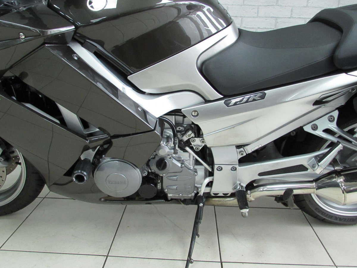 YAMAHA FJR1300 ABS 2011