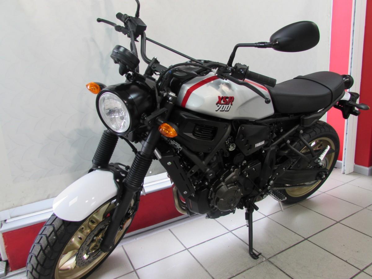 Yamaha XSR700 X-Tribute 2021