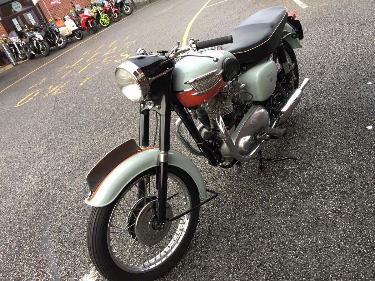 TRIUMPH BONNEVILLE T120 Tangerine Dream 1959