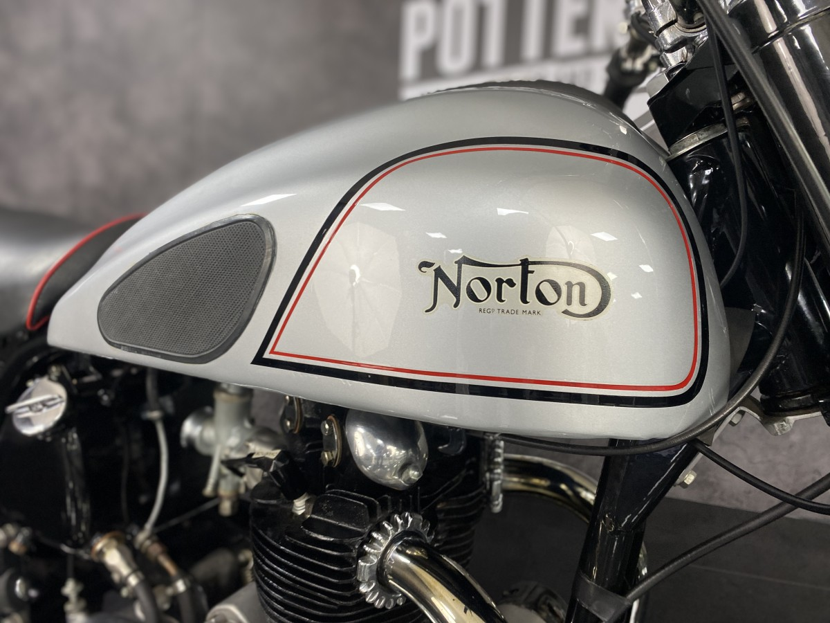 Norton DOMINATOR 1952