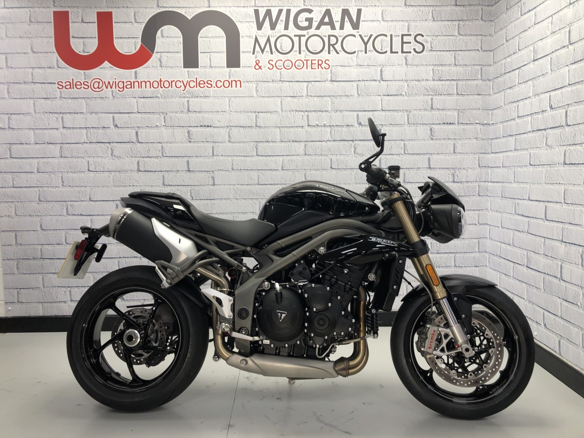 Buy Online Triumph SPEEDTRIPLE 1050 ABS