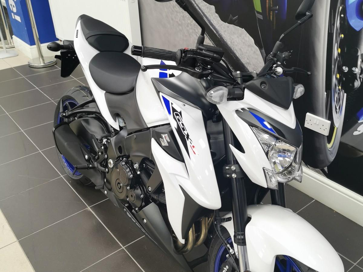2020 Suzuki GSX-S1000 ZAM0