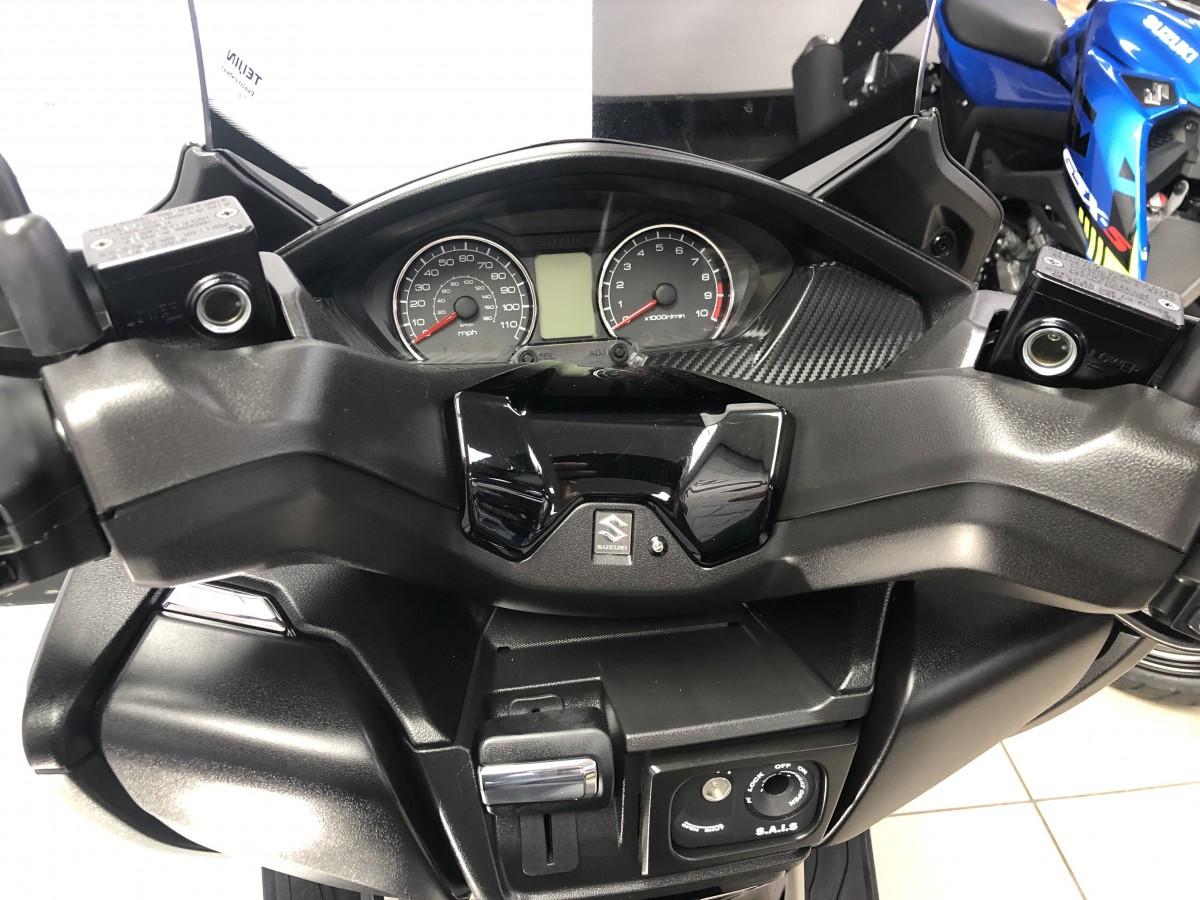 Suzuki AN400 2020