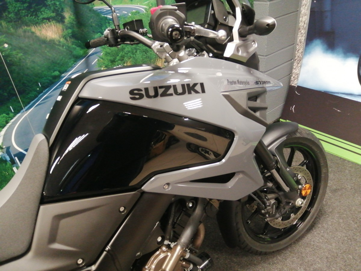 Suzuki V-STROM 1050 DL1050RQM0 DEMO 2020