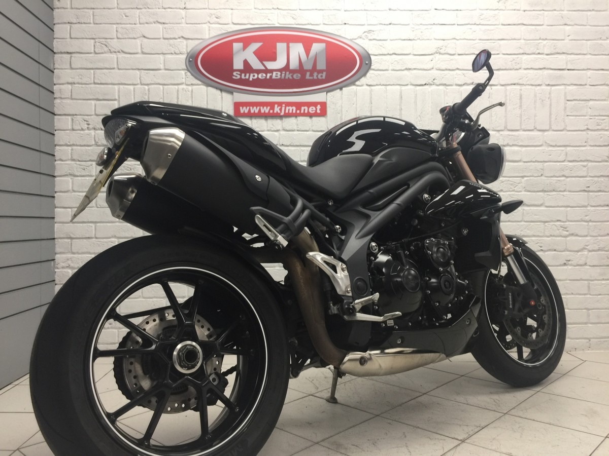 TRIUMPH SPEED TRIPLE 94 2015