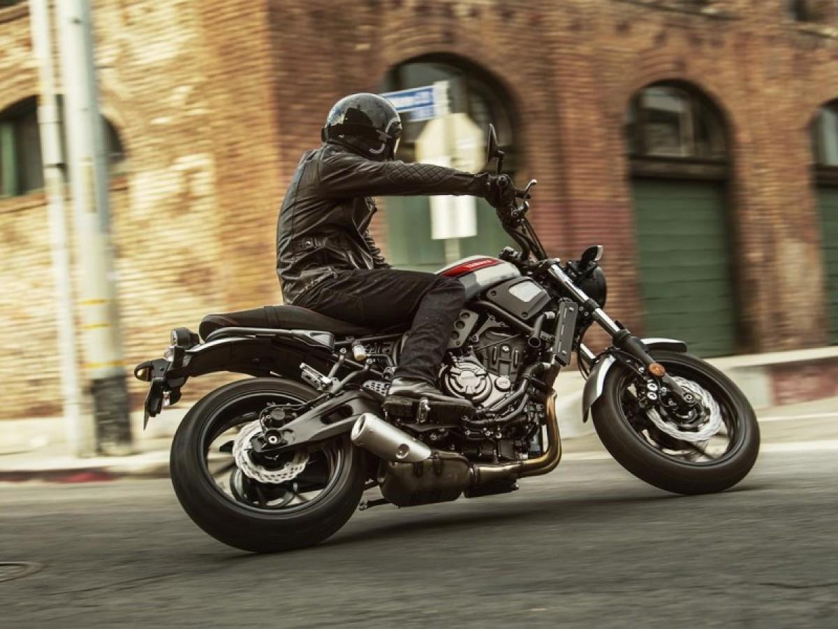 Yamaha XSR700 2021
