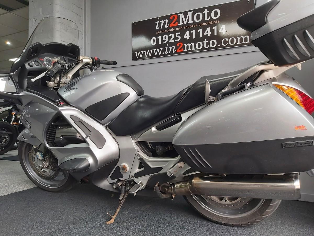 HONDA ST 1300 A-4 2005