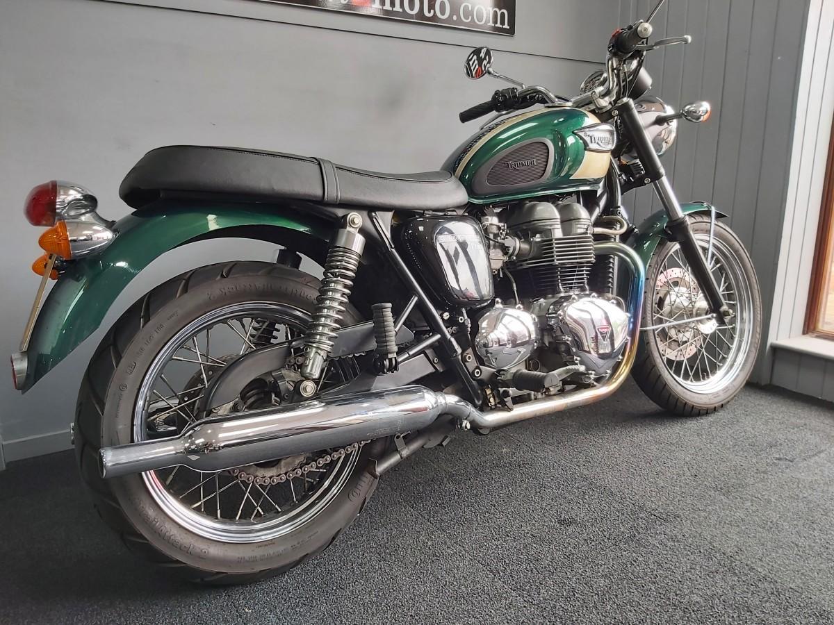 TRIUMPH BONNEVILLE T100 2003