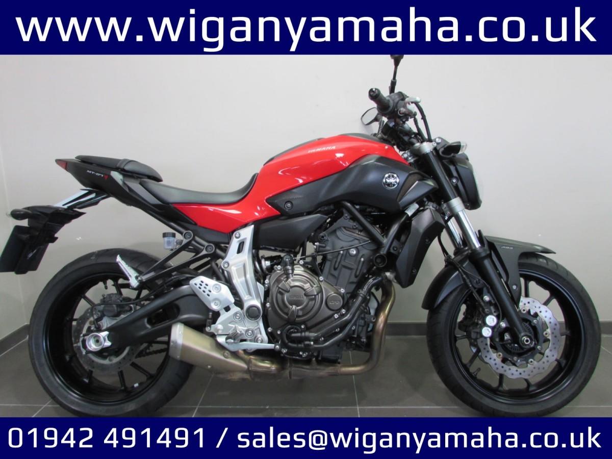 Yamaha MT-07 2015