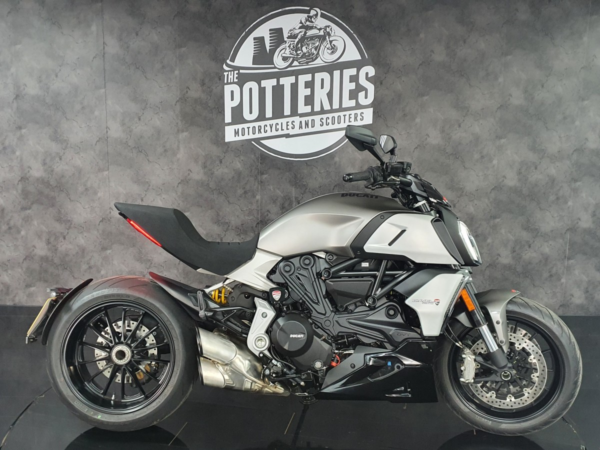 Buy Online Ducati Diavel 1260