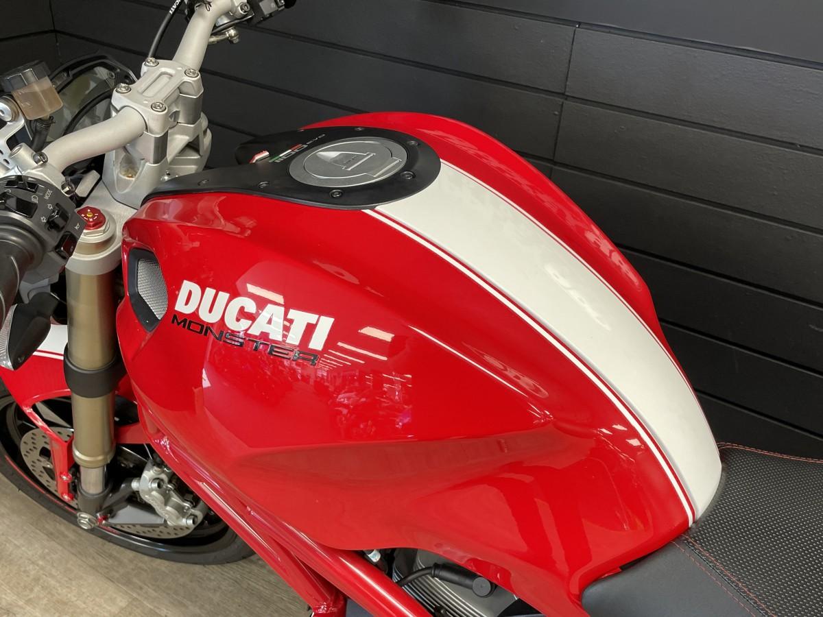 Ducati Monster 1100 EVO 2011