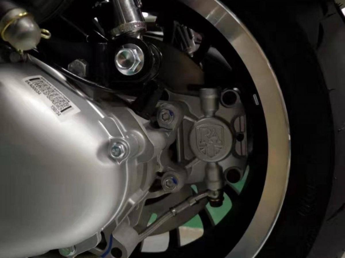 Royal Alloy GP 300cc LC ABS E5 2021