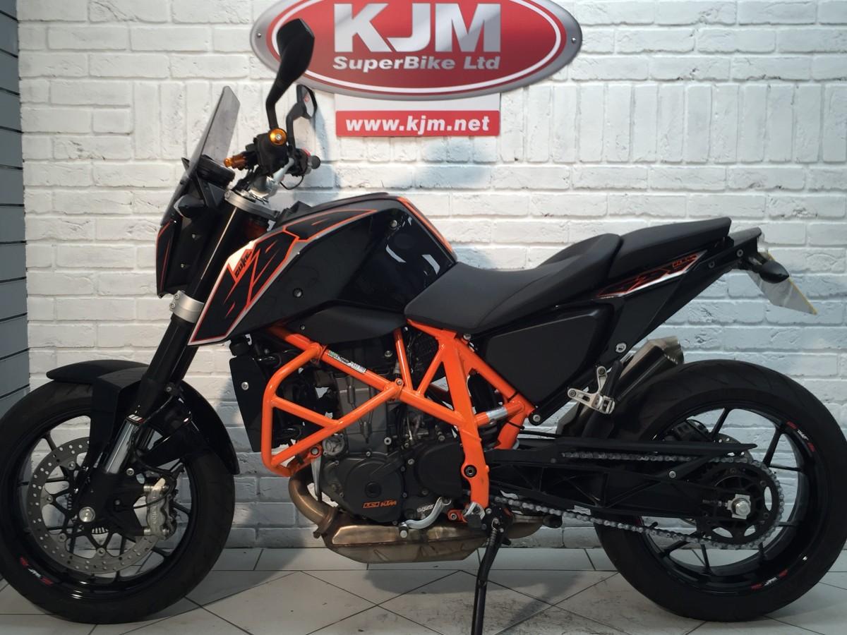 KTM 690 DUKE 15 2015
