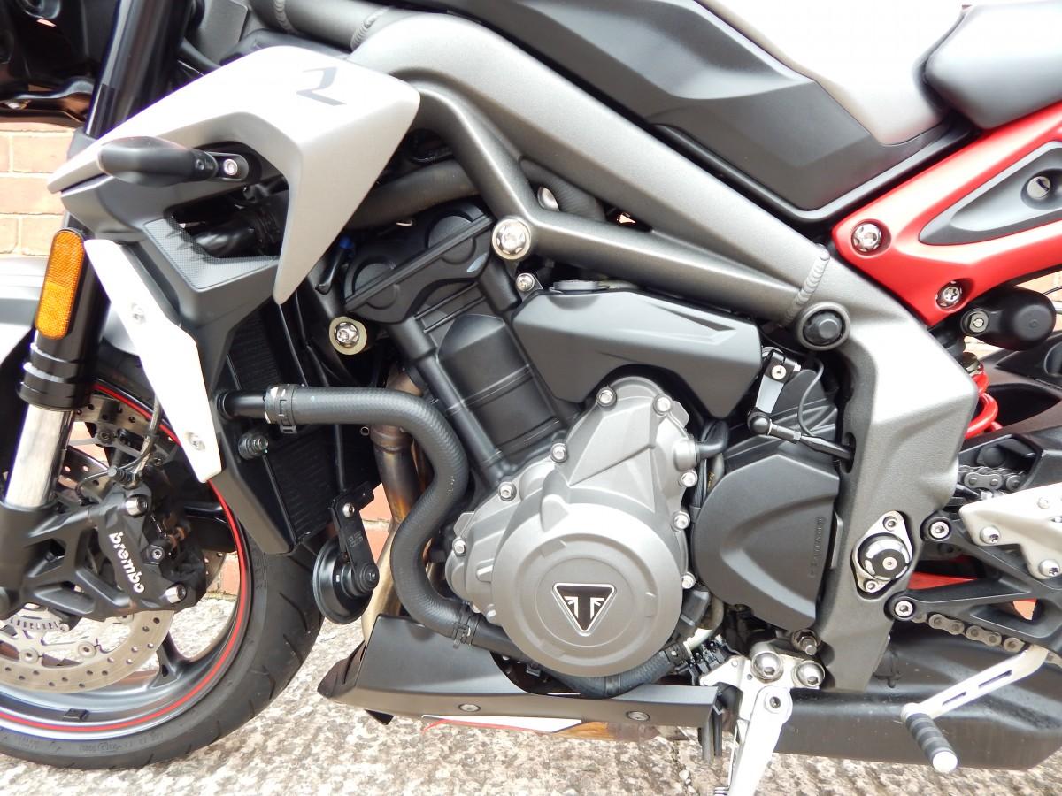 TRIUMPH STREET TRIPLE R 765 cc Naked Street Motorcycle 2020