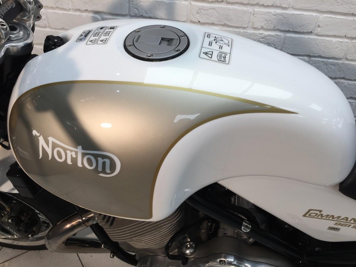 NORTON COMMANDO 961 SPORT 2015