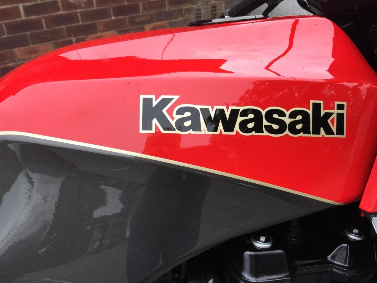 Kawasaki GPZ900R ZX 900 A1 1985