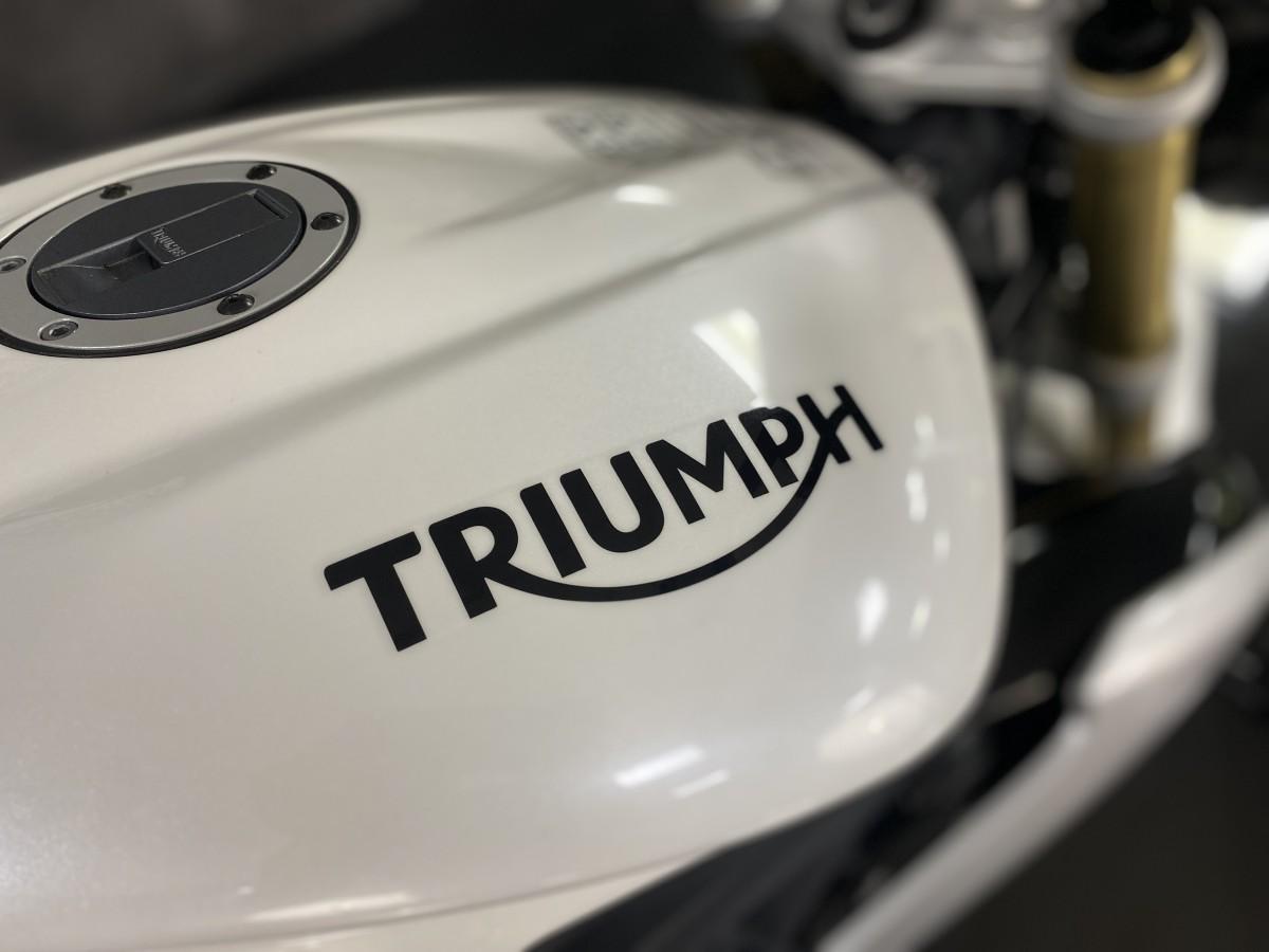 Triumph Street Triple ABS 2016