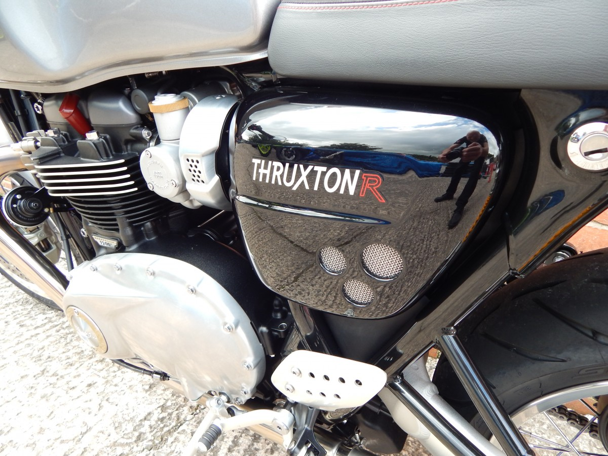 TRIUMPH THRUXTON R 1200cc Modern Classic 2016