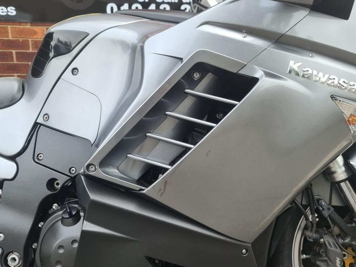 KAWASAKI GTR1400 GT ZG1400A9F 2009