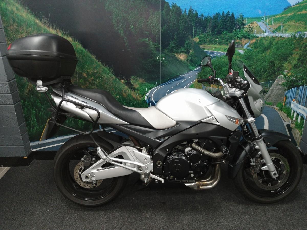 Buy Online SUZUKI GSR600 K7