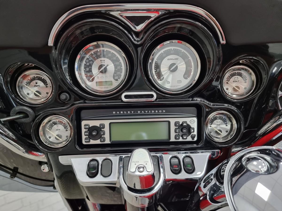 Harley Davidson FLHXSE CVO Sreet Glide 2010