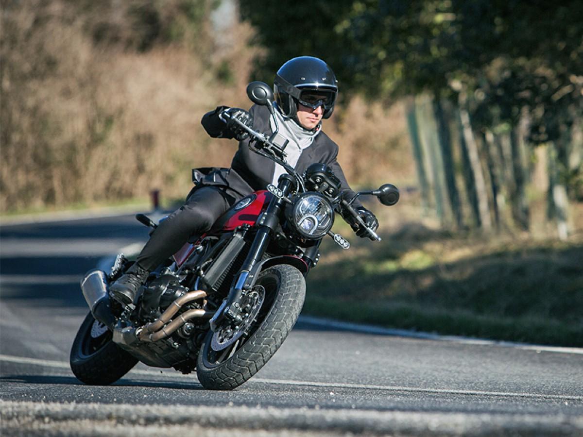 Benelli Leoncino 500 E4 2020
