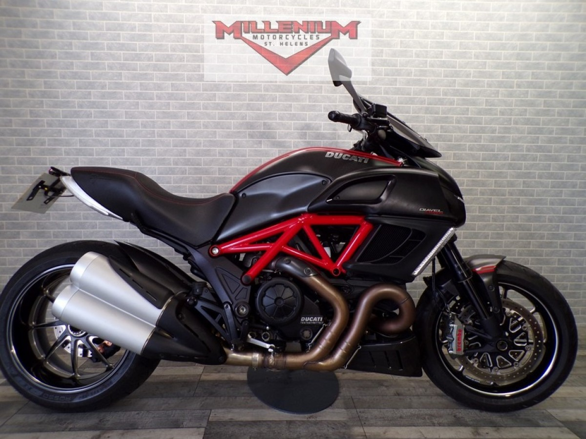Ducati Diavel Carbon 2013
