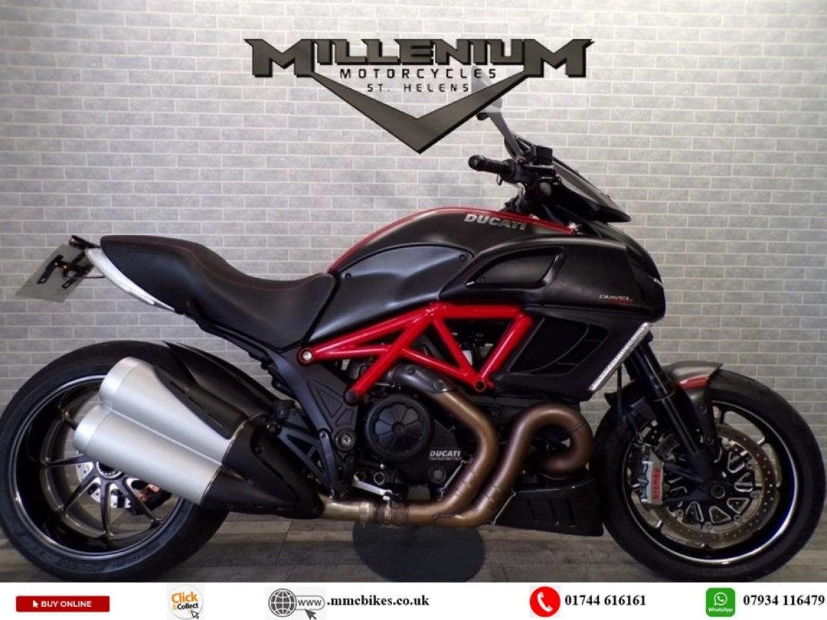 Buy Online Ducati Diavel Carbon