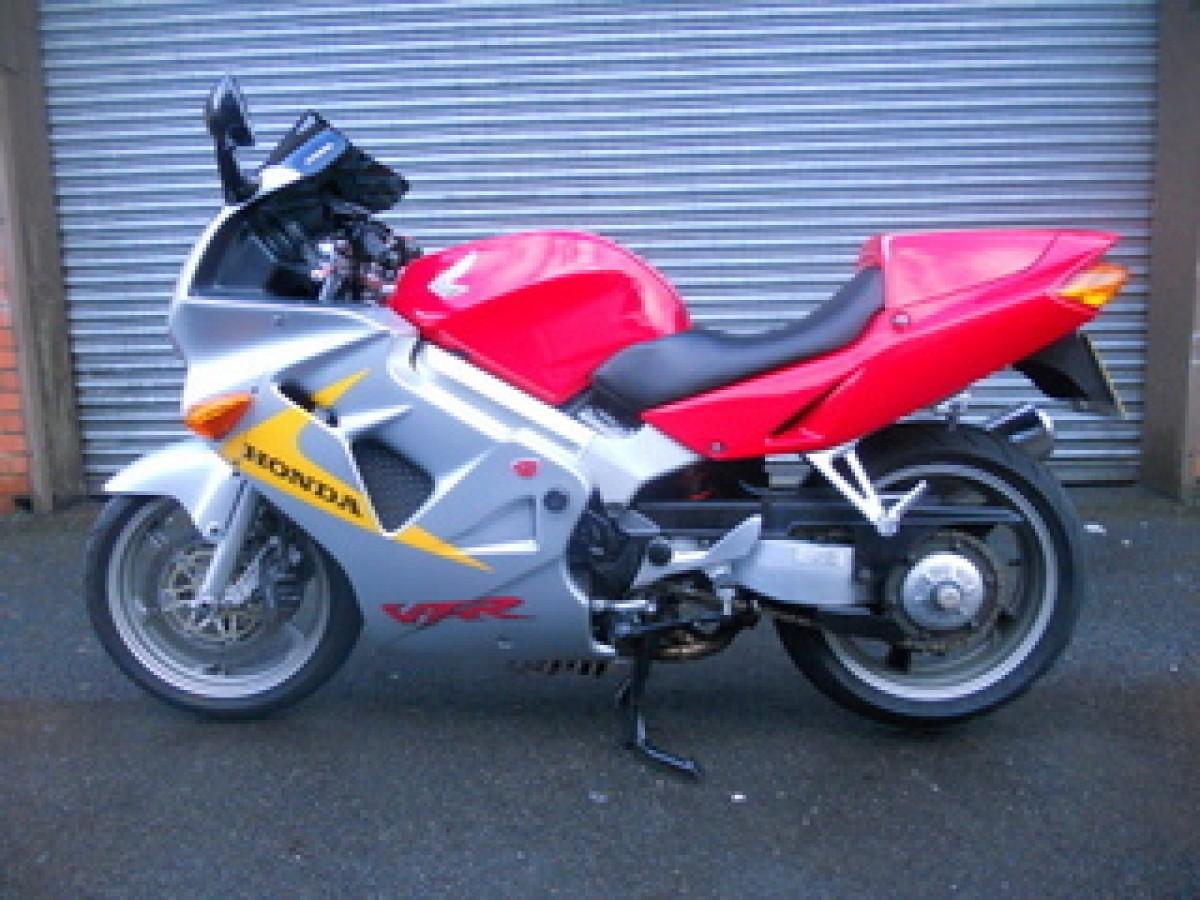 1999 HONDA VFR800F