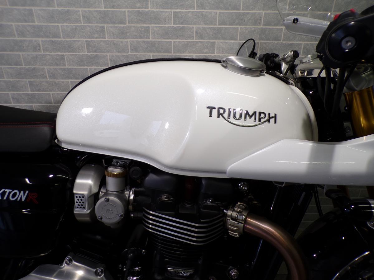 TRIUMPH THRUXTON 1200 R 2018