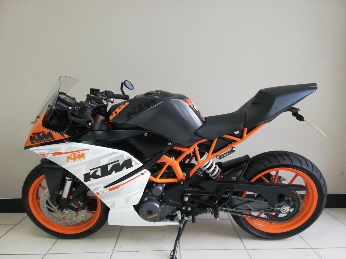 KTM RC390 2016