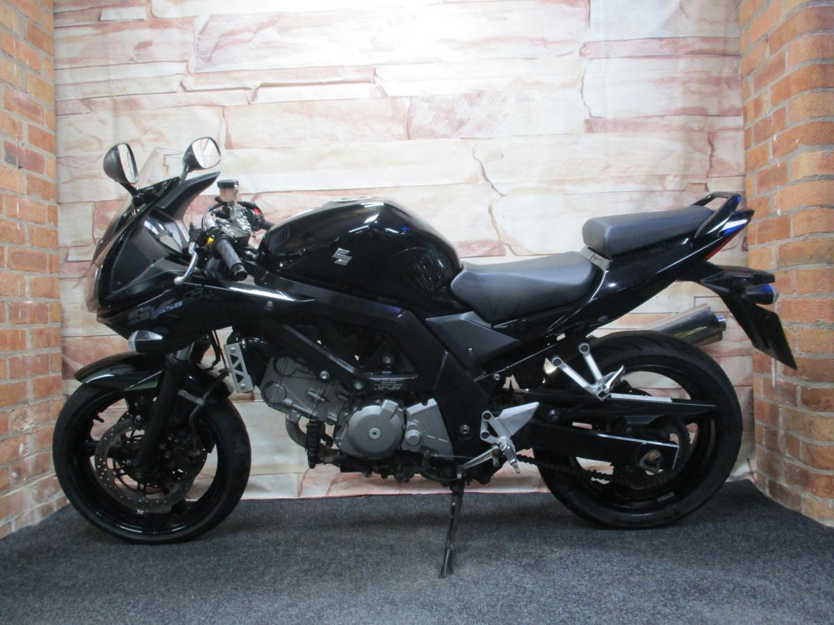 Suzuki SV650S L2 2016