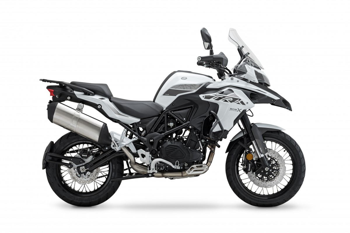 White TRK 502 X