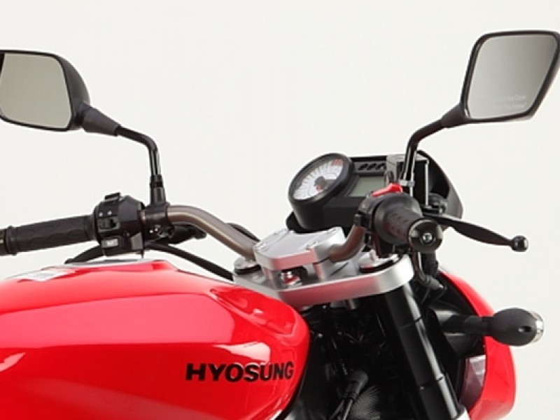 Hyosung GT650P Feature
