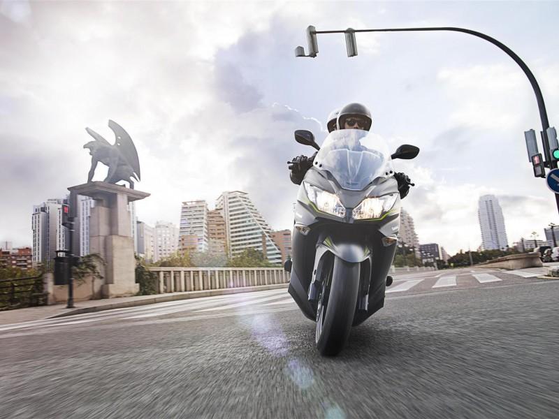 Kawasaki J125 2019