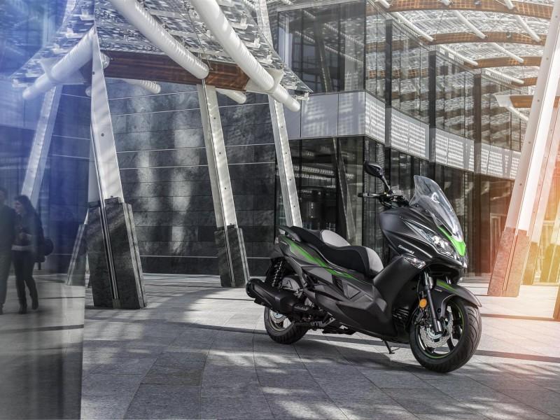 Kawasaki J300 2018